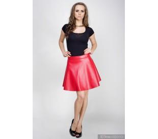 Kolová sukně z umělé kůže červená